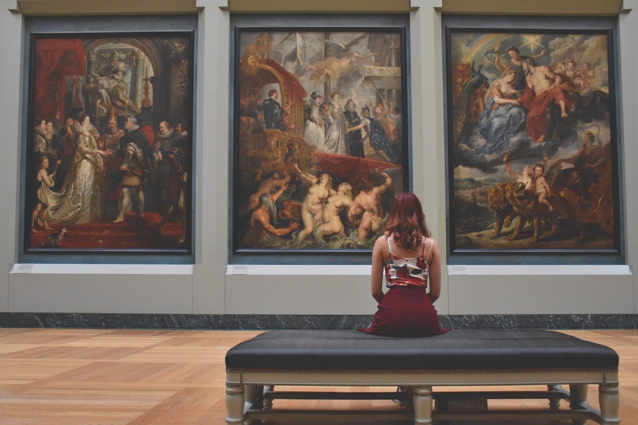 Inglés para visitar un museo: ve con la lección aprendida